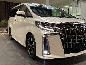 Toyota Alphard 2.5 SC 2018